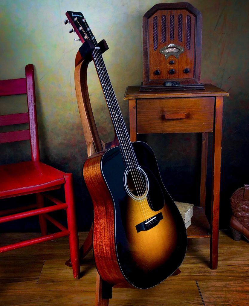eastman e10d sb adirondack top acoustic dreadnought guitar. Black Bedroom Furniture Sets. Home Design Ideas