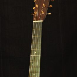 MARTIN OM-28 MODERN DELUXE ACOUSTIC GUITAR WITH CASE