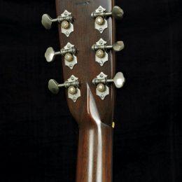 PRE-WAR GUITARS 000-G ACOUSTIC GUITAR WITH CASE DISTRESS LEVEL 2.5