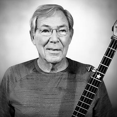 Larry Chrismond teaches: Clawhammer Style 5 string banjo, Typically books only 1 hr lessons