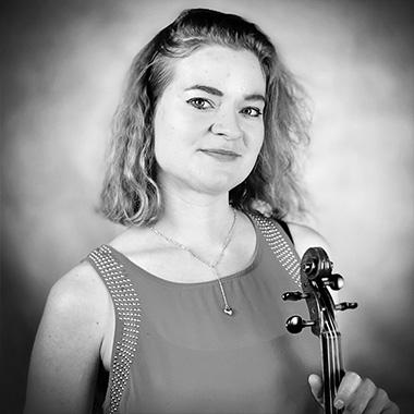 Yasa Poletaeva teaches Piano (beginner to intermediate , Cello, Violin (all levels), Viola (all levels), Vocal (all levels), Solfège and Music Theory