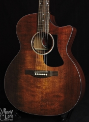 EASTMAN PCH1-GACE-CLA SOLID TOP ACOUSTIC ELECTRIC GRAND AUDITORIUM GUITAR WITH GIG BAG – BLEMISHED