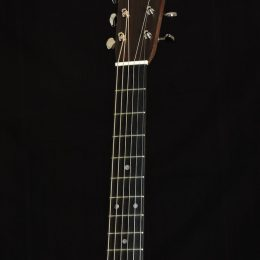 Martin D-28 Front Headstock