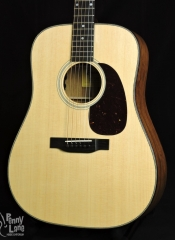 EASTMAN E3DE SOLID ACOUSTIC ELECTRIC DREADNOUGHT GUITAR WITH GIG BAG