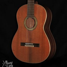 TETON STC105NT SOLID RED CEDAR TOP MAHOGANY BACK AND SIDES CLASSICAL GUITAR