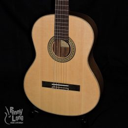 TETON STC110NT SOLID SPRUCE TOP OVANGKOL BACK AND SIDES CLASSICAL GUITAR